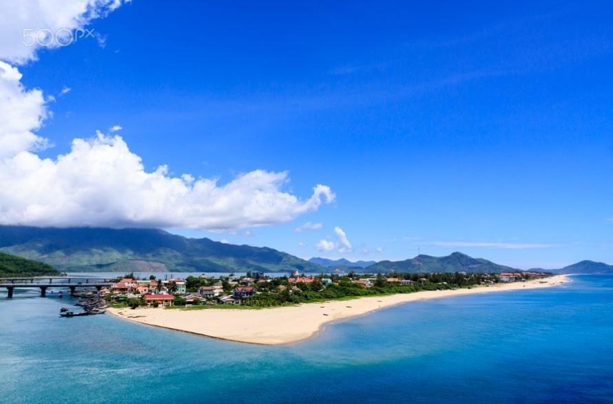 Bãi biển Lăng Cô – vẻ đẹp tuyệt vời của tạo hóa