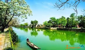 Nét đẹp mộng mơ và xanh mát của dòng sông Hương