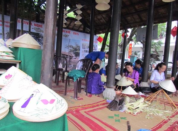 Tây Hồ - Quê hương của làng nghề nón lá Huế